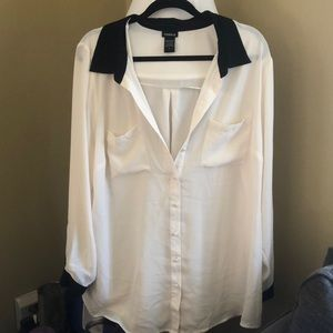 White and black sheer buttonup Torrid Size 2 NWOT